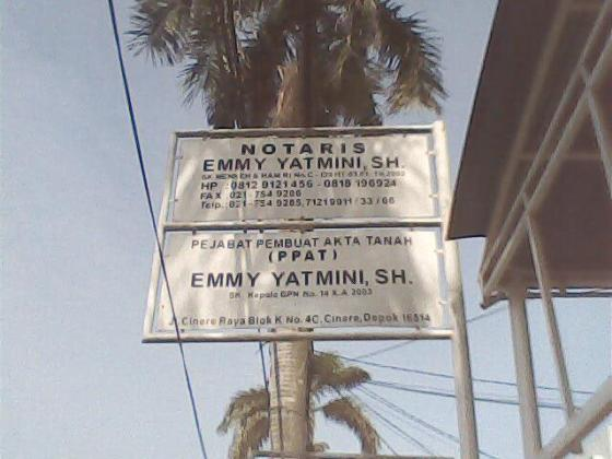 Plang Notaris dan PPAT Emmy Yatmini