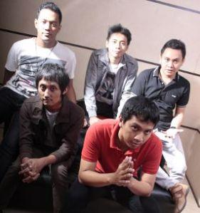 Group Band Supernova
